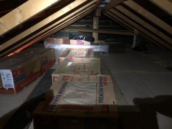 Ikke så veldig god plass under taket.